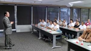 Claro President Enrique Ortiz de Montellano addresses the Turabo University students taking part in the initiative.