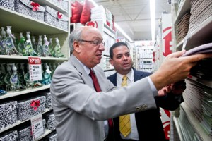 Anna's Linens CEO Alan Gladstone, left, was in Puerto Rico three years ago for the first store openings.